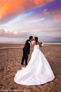 Boda playa ValenciaRaquelMunoz_httq.fotosymas.comRaquel Munoz